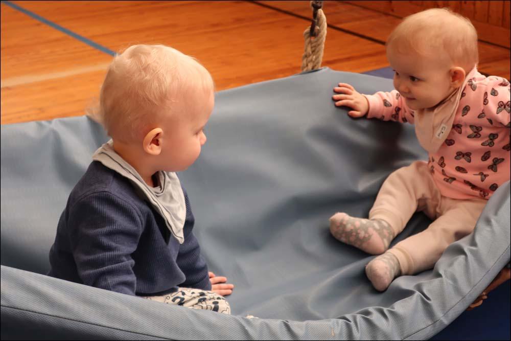Kinderturnen mit Zwillingen – Ein absolutes Ja