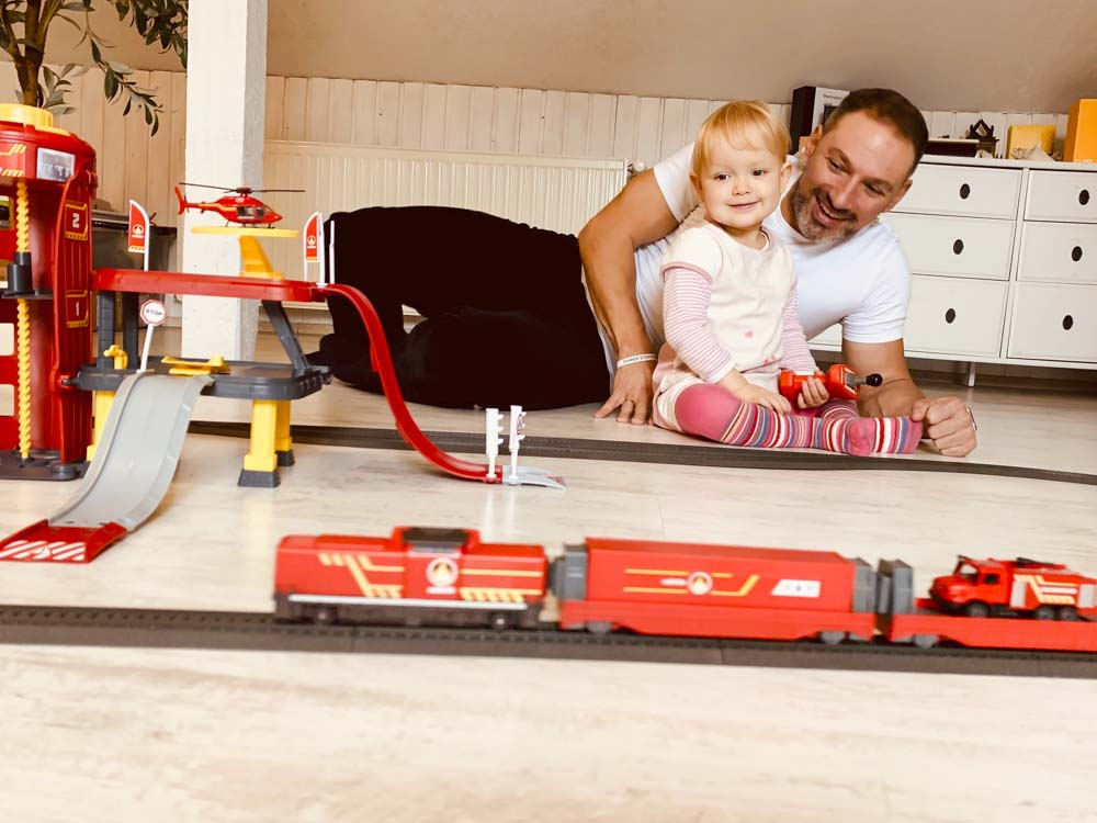 Märklin my world Feuerwehr und Feuerwehrstation